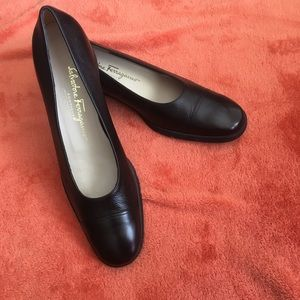 NWOT Salvatore Ferragamo Pebbled Leather Loafers